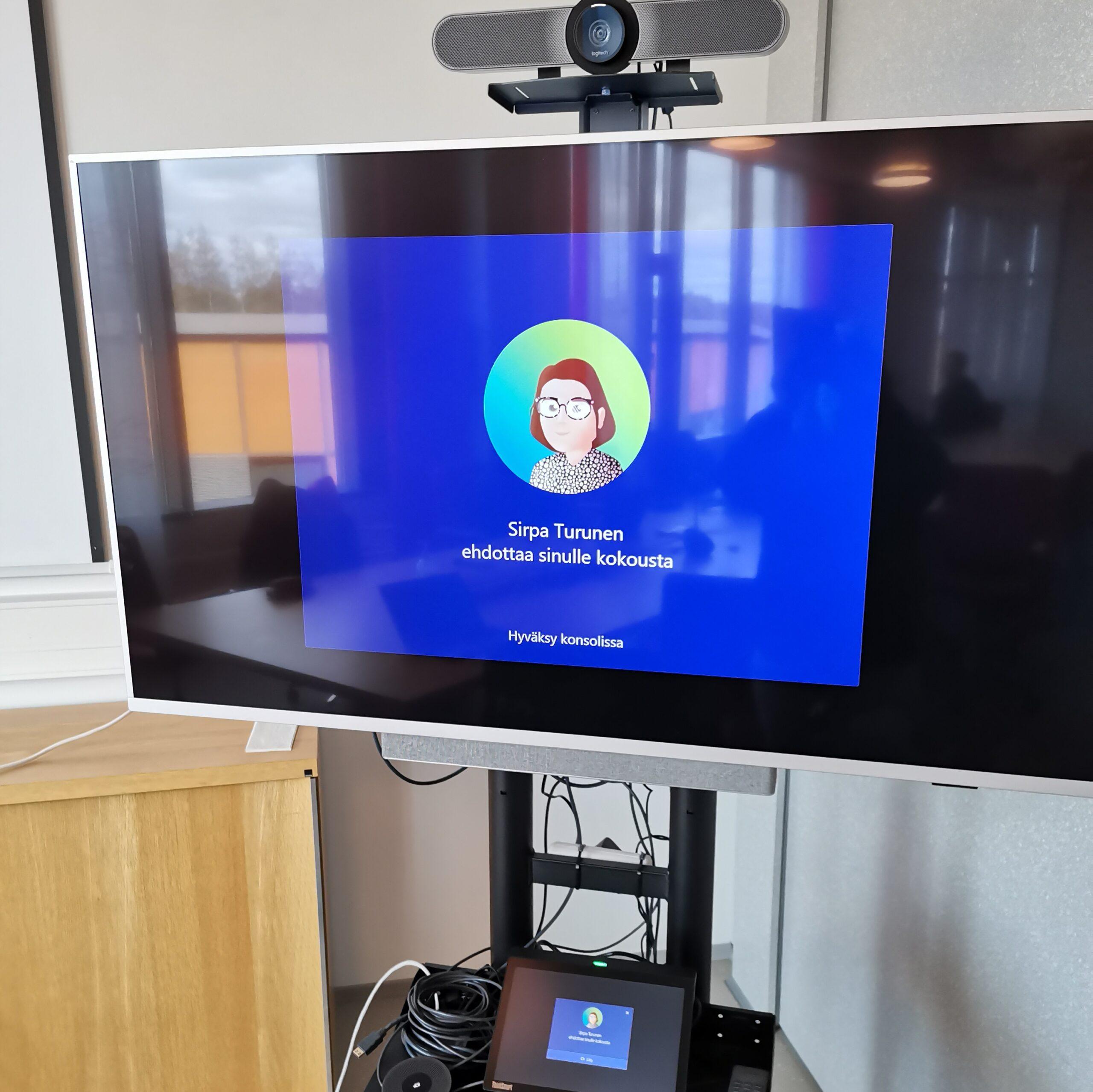 Kuvituskuva Teams Rooms -järjestelmä
