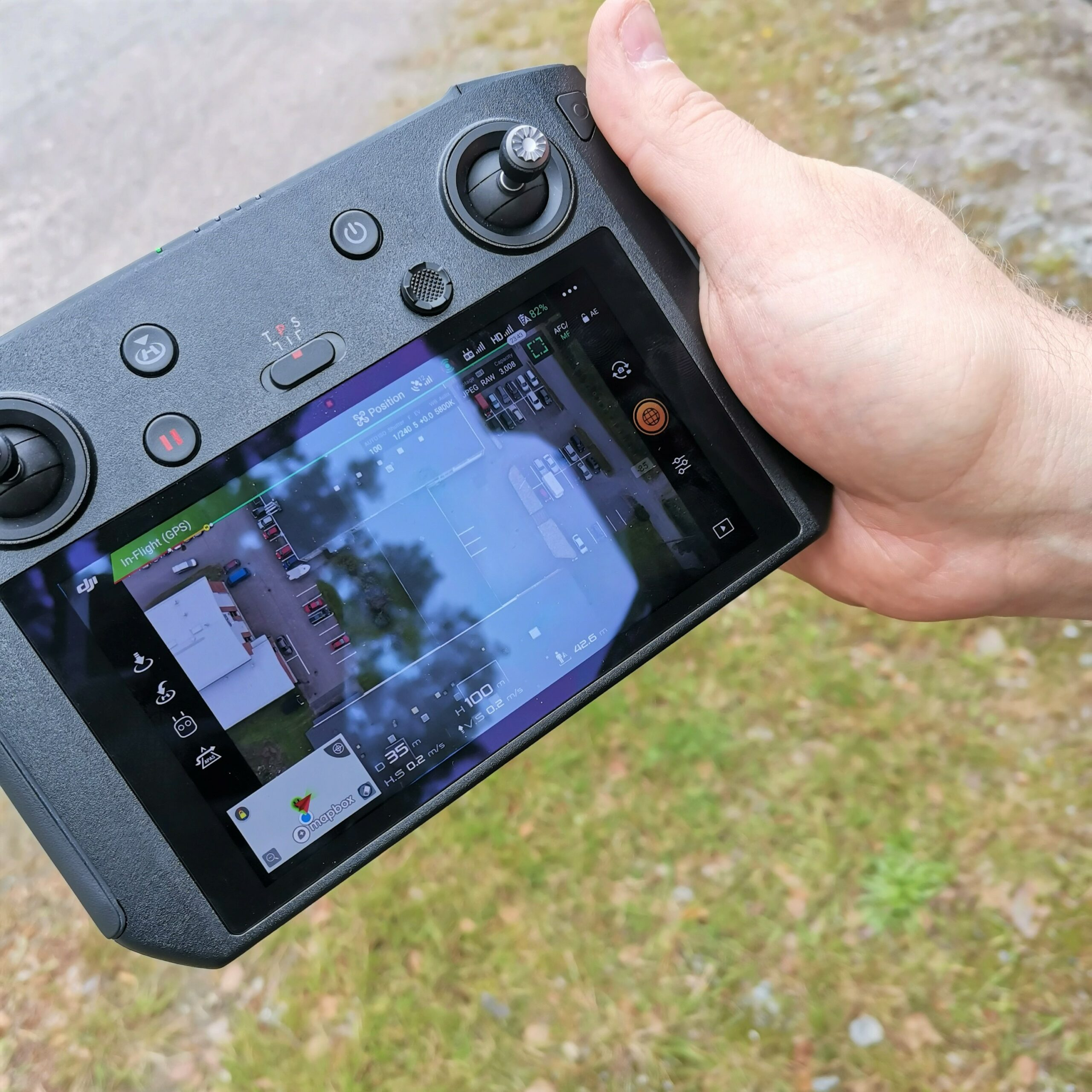kuvituskuva dronen näyttö
