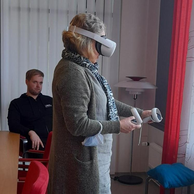 Kuvituskuva VR-lasien kokeilu